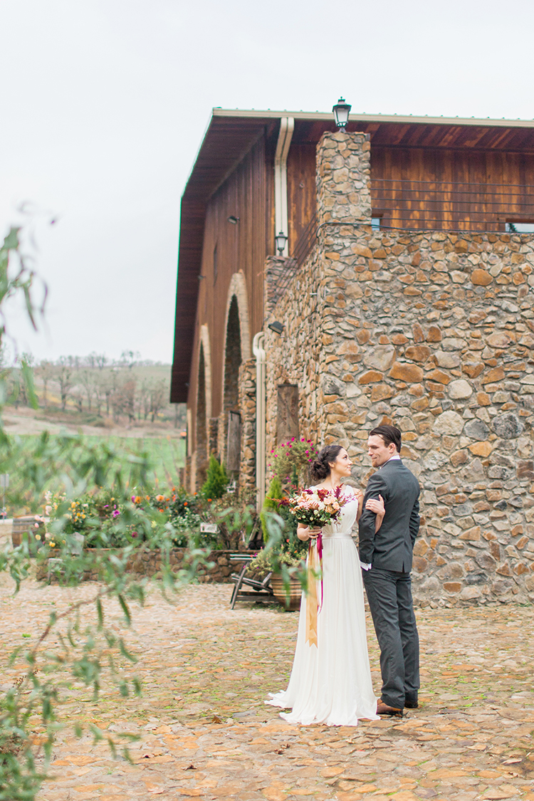 winery wedding inspiration - https://ruffledblog.com/winery-vow-renewal-inspiration-with-autumn-leaves