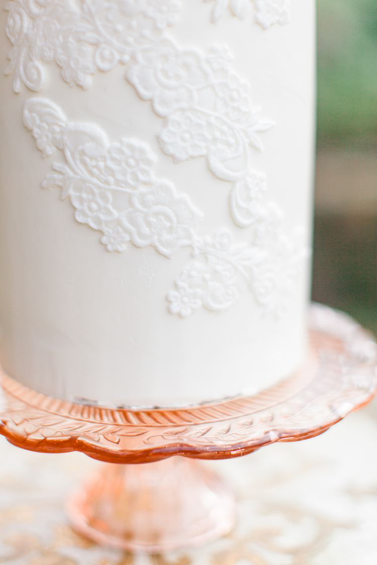 lace embroidery inspired wedding cakes - https://ruffledblog.com/winery-vow-renewal-inspiration-with-autumn-leaves