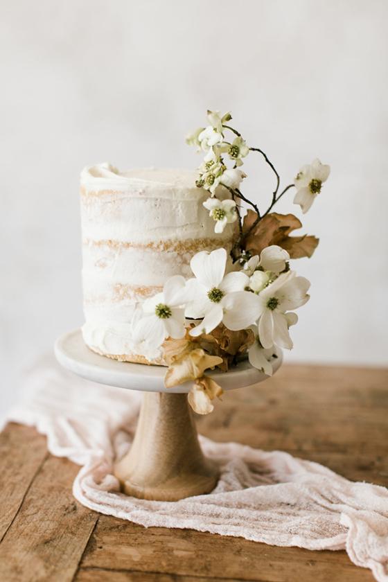32 Winter Wedding Cakes for Serious Sugar Rush