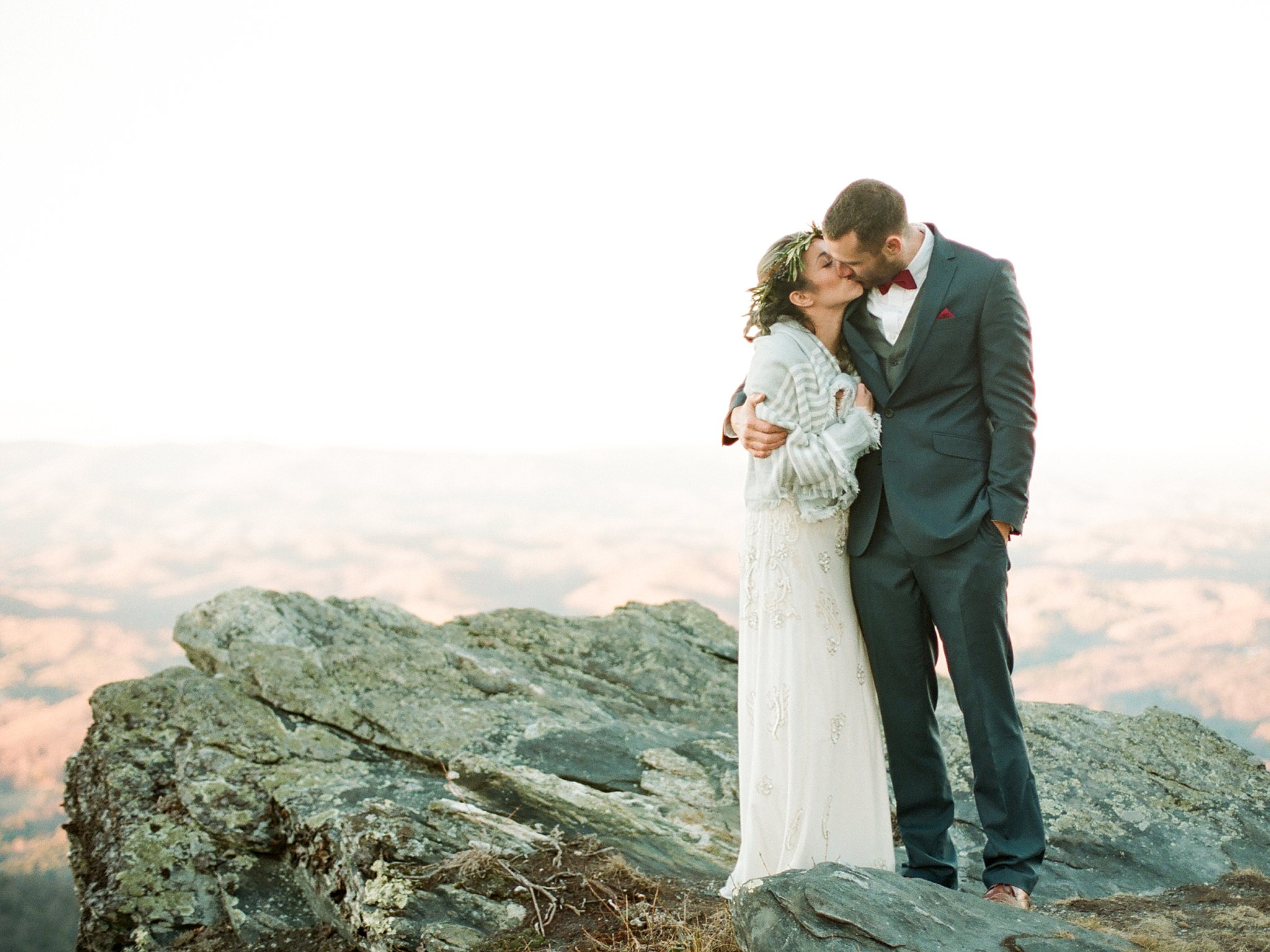 Wintry North Carolina Mountaintop Wedding Photo By Live View Studios Https Ruffledblog